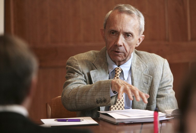 Retired U.S. Supreme Court Justice David Souter works with his group to promote civics education in New Hampshire schools during a meeting in Concord, N.H., Wednesday, Sept. 16, 2009.