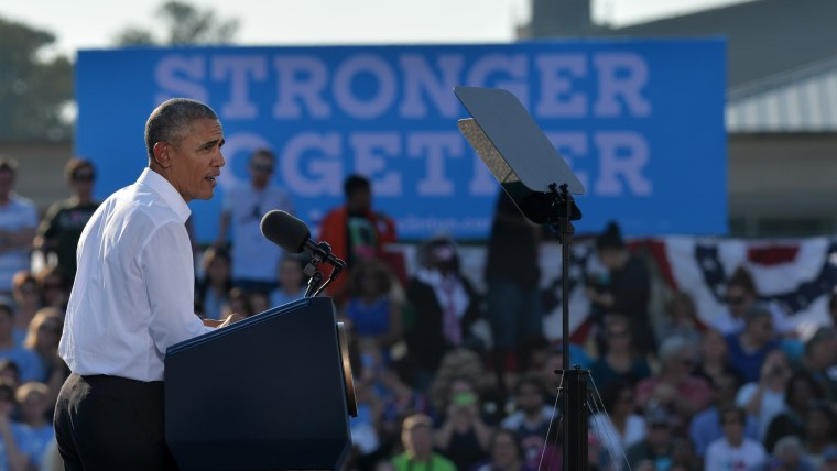 U.S. President Barack Obama speaks at a campaign event for Democratic presidential nominee Hillary Clinton on the campus of the University of Chapel Hill on Nov. 2, 2016 in Chapel Hill, N.C. (Photo by Peter Zay/Anadolu Agency/Getty)