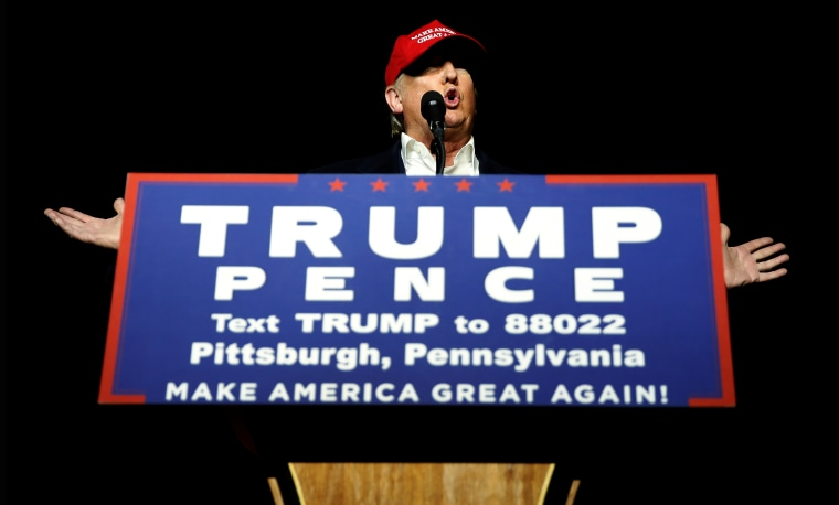 Republican presidential nominee Donald Trump attends a campaign rally in Moon, Penn., Nov. 6, 2016. (Photo by Carlo Allegri/Reuters)