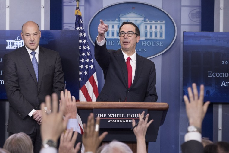 Image: White House news conference with US Treasury Secretary Steven Mnuchin and National Economic Director Gary Cohn
