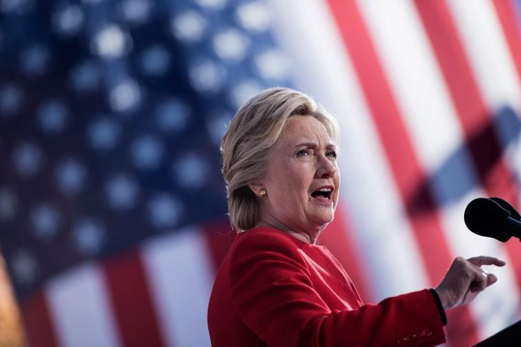 Image: FILES-US-POLITICS-CLINTON-FBI