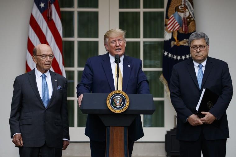 Image: Donald Trump, William Barr, Wilbur Ross