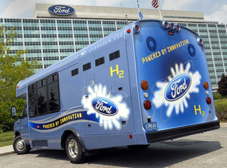 The internal combustion engine on thisbus runs on hydrogen. Florida has been running four of the Ford-built shuttles, and will be getting four more.