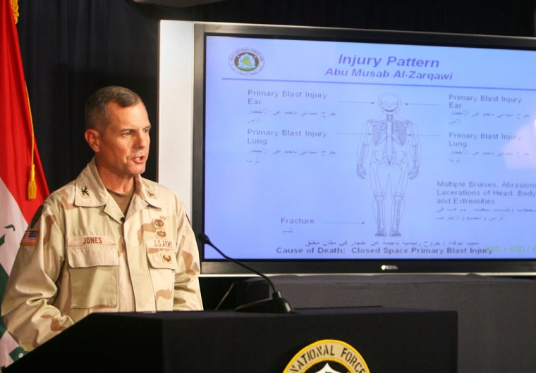 Col. Steve Jones, an Army command surgeon, on Monday explains a diagram showing injuries sustained byal-Qaida in Iraq leader Abu Musab al-Zarqawi.