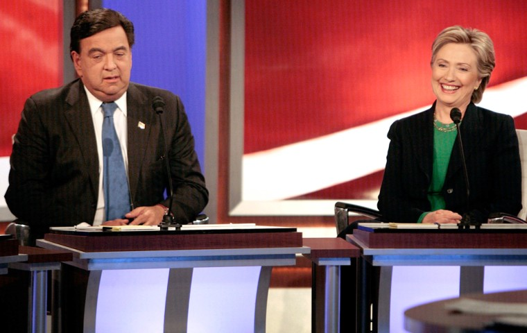 Image: Presidential Candidates Richardson and Clinton debate In New Hampshire Ahead Of Primary