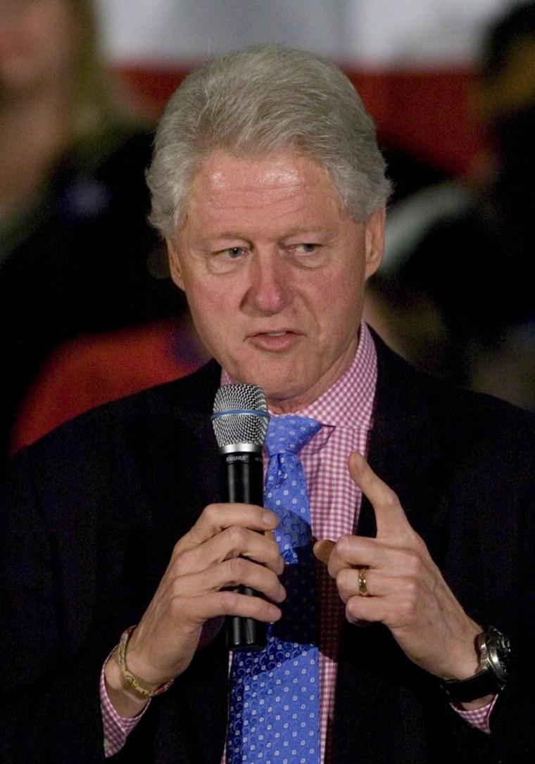 Image: Bill Clinton campaigns in Barnwell, South Carolina