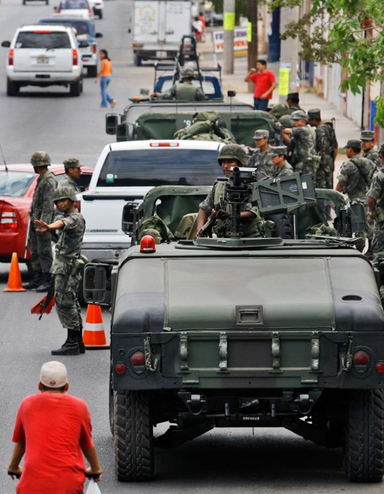 Image: checkpoint in Culiacan, Sinaloa state