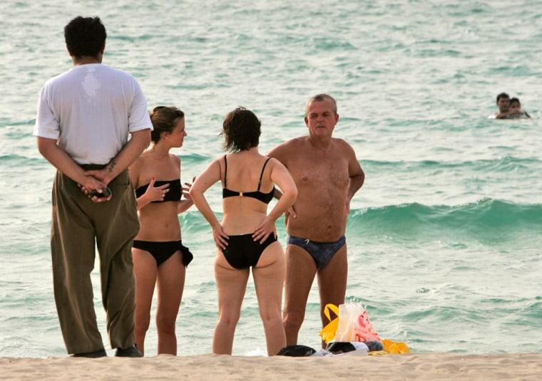 Image: Beach in Dubai