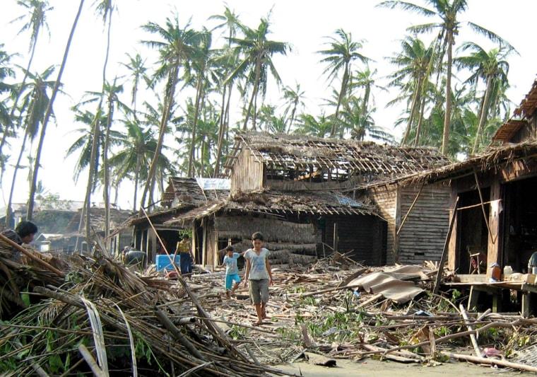 Iamge: Myanmar cyclone recovery