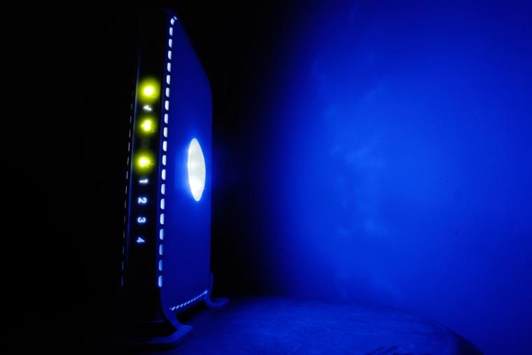 Image: LED-illuminated wireless router