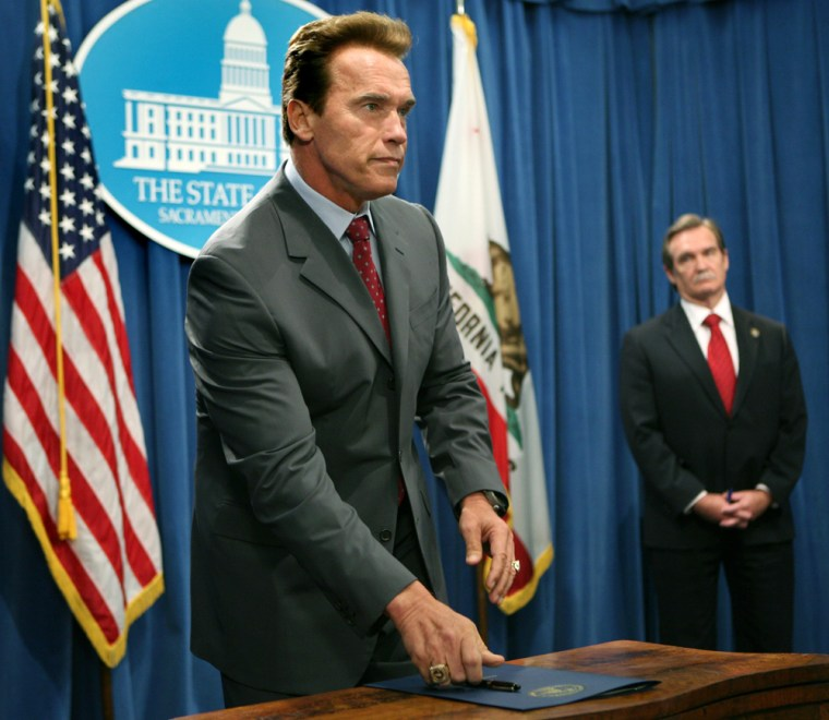 Image: Schwarzenegger cuts jobs