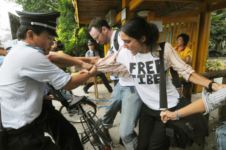 Image: Foreign pro-Tibet activists are detained by Chinese police