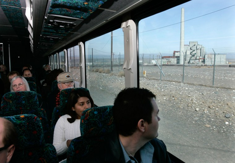 Image: Tourists on bus arrive at the Hanford nuclear reservation