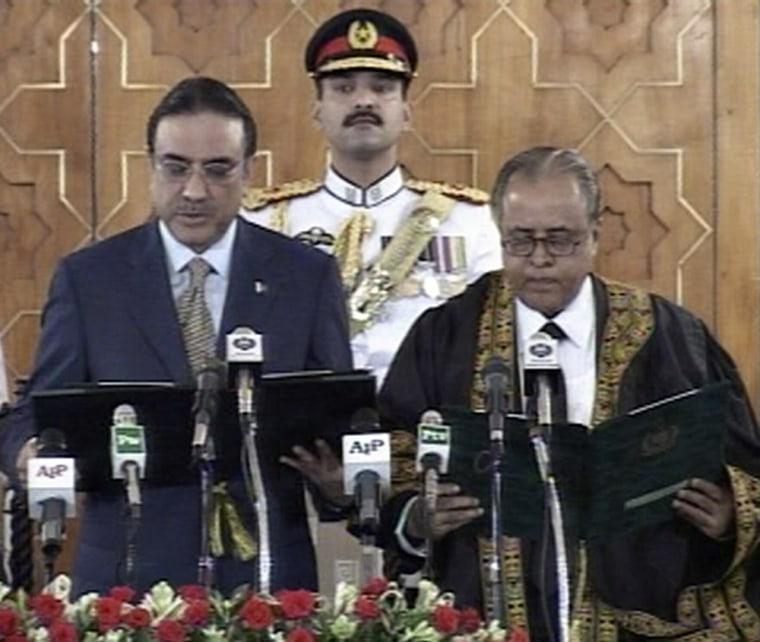Image: Asif Ali Zardari being sworn in as president in Islamabad