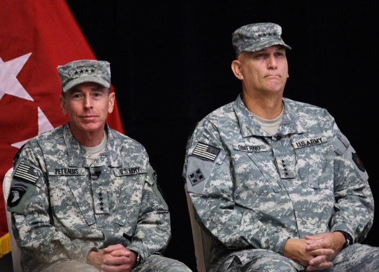 Image: Gen. David Petraeus and Gen. Ray Odierno
