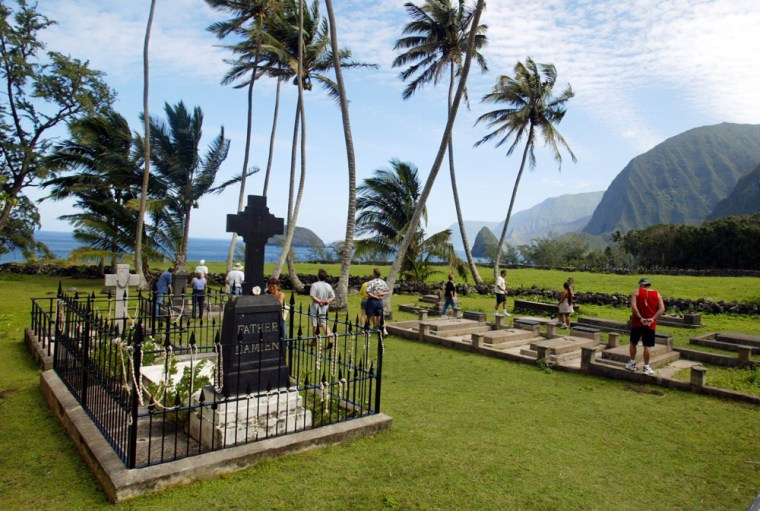 Image: The grave of Father Damien