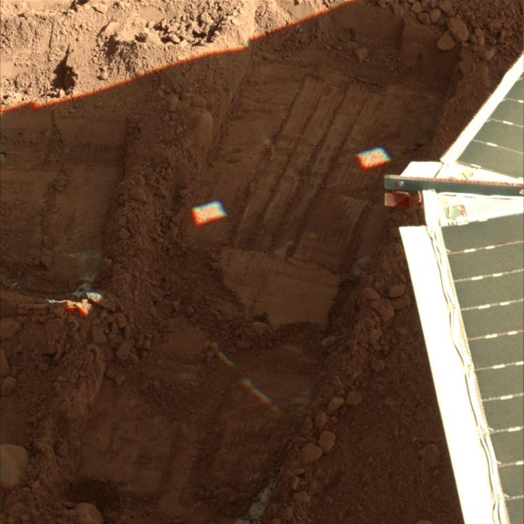Image: Phoenix Mars Lander, martian soil
