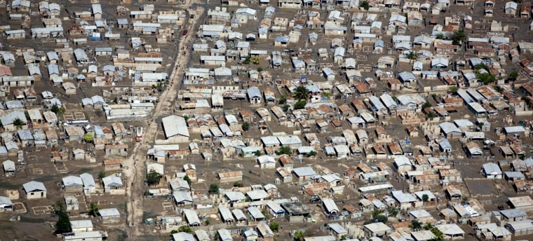 Image: This aerial photo shows the streets of Gonaives, Haiti, covered in mud