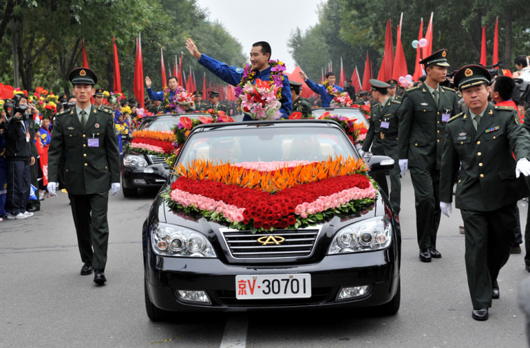 Image: Chinese astronauts' welcoming parade