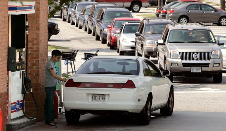 Image: Gas shortage, Kroger fuel station in Lilburn