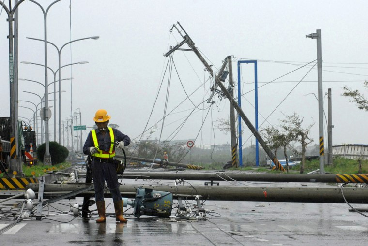 Image: Damage from Typhoon Jaigmi in Suao, Taiwan