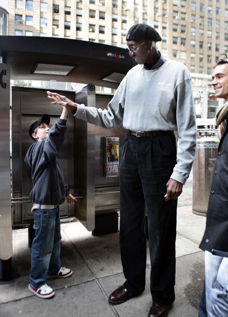 Image: George Bell, America's Tallest Man