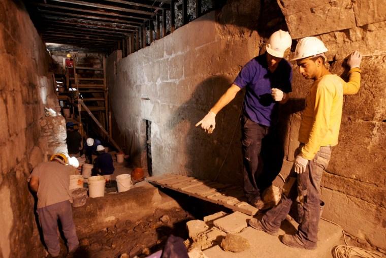 Labourers work at archeological dig in Jerusalem's Old City