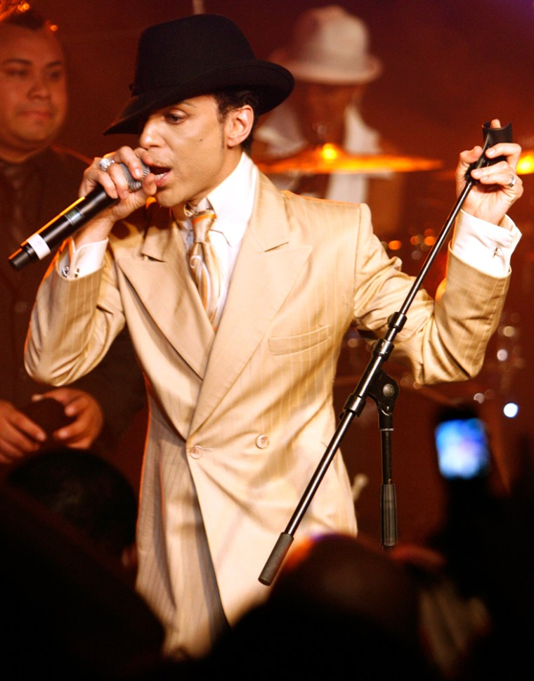 Image: Prince performs during a jam session in the Montreux Jazz Cafe