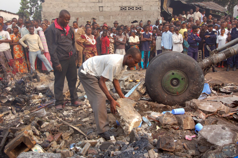 Image: Airplane crash in Congo