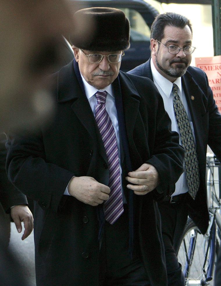 Image: Palestinian President Mahmoud Abbas arrives at a hotel in Washington