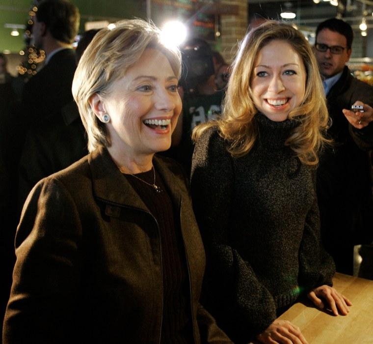 Image: Democratic presidential hopeful, Sen. Hillary Rodham Clinton, D-N.Y., left, and daughter Chelsea, order breakfast