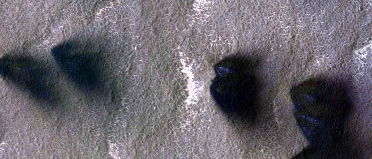 Image: Mars plumes