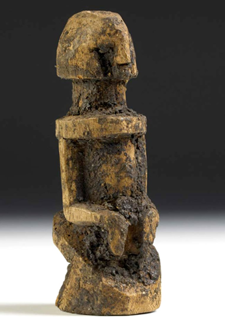 A new, highly sensitive analytical test was used to confirm the presence of blood in the coating of this humanoid artifact used in ancient Mali rituals.