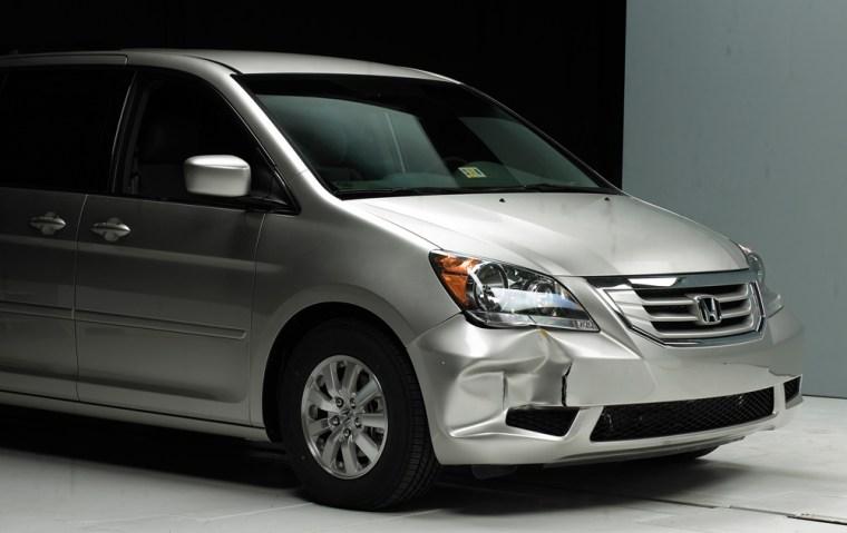 Image: front end damage on a 2008 Honda Odyssey