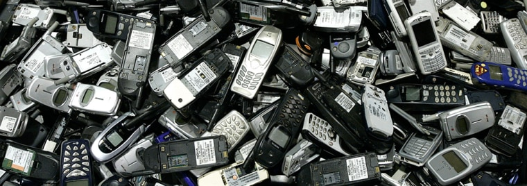 Image: Cell phones to be recycled