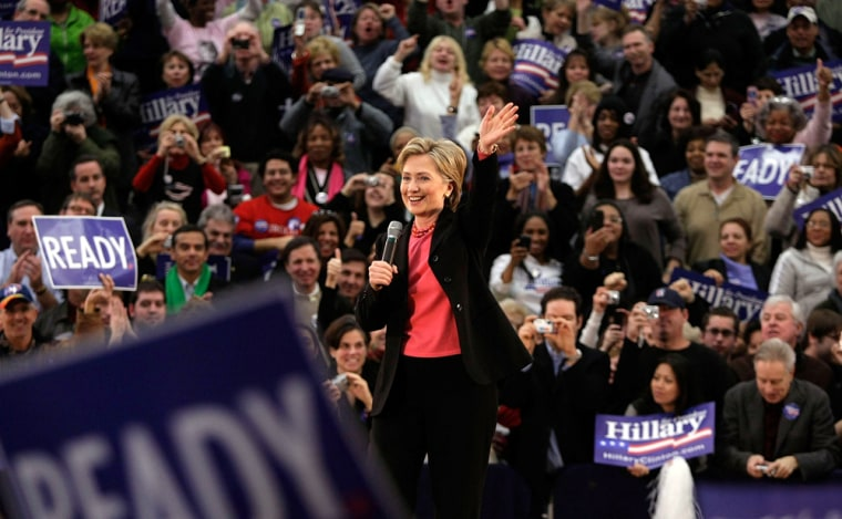 Image: Hillary Clinton's Campaign Focuses On New Hampshire Primary