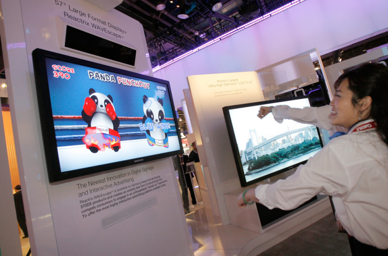 Image: Reactrix WAVEscape on Samsung's large-format LCD