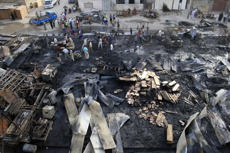 Image: Sadr City market hit by airstrike