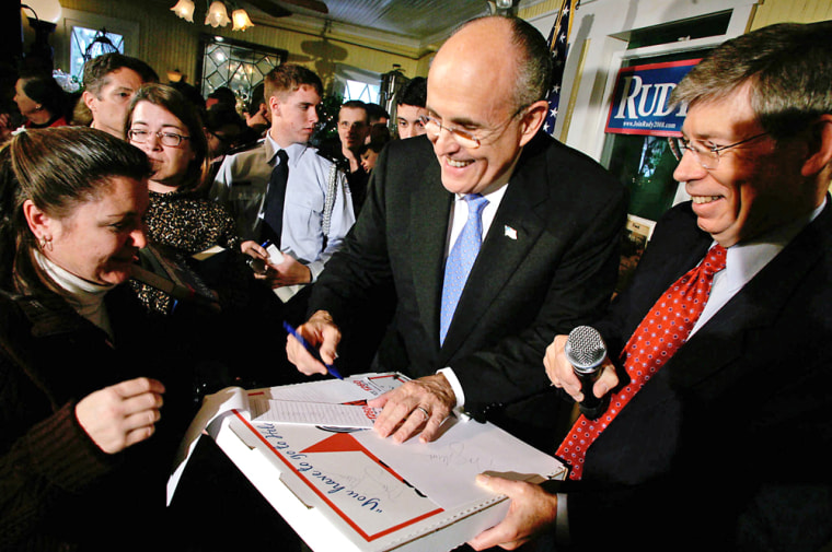 Image: Rudy Giuliani campaigns in Florida