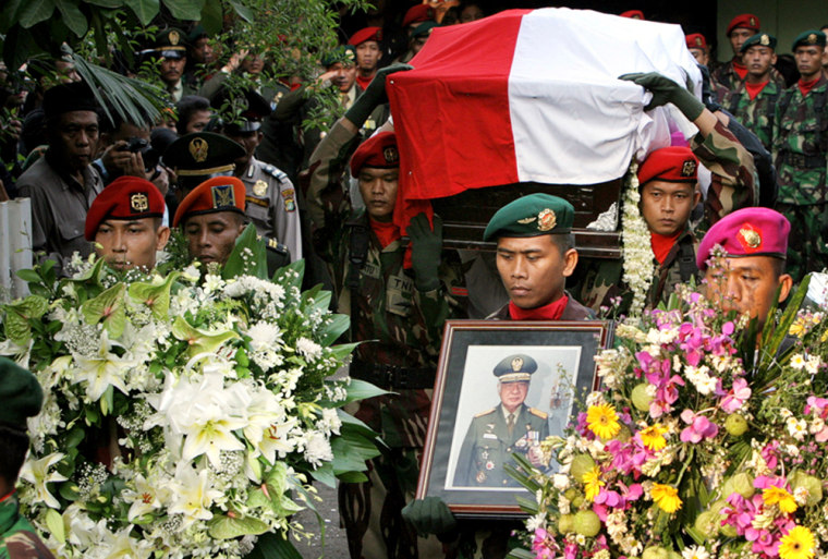 Image: Funeral of Suharto