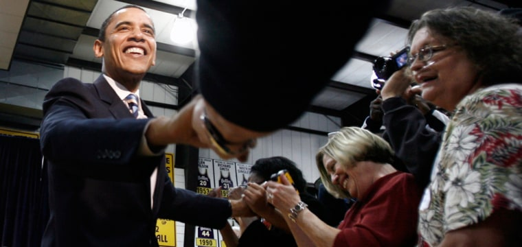 Image: Democratic presidential candidate Obama greets supporters in El Dorado