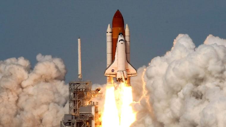 Image: Space Shuttle Atlantis Launches