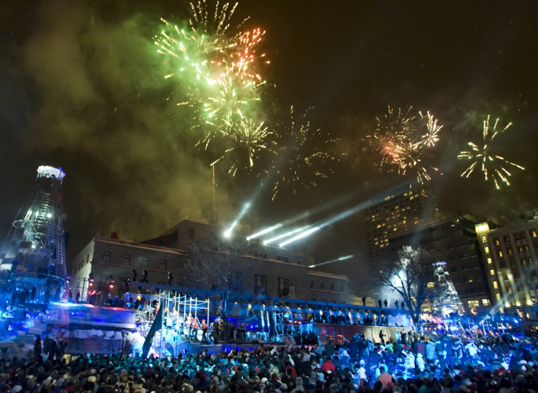 Image: Fireworks light up the sky at midnight as 400th anniversary celebration of Quebec