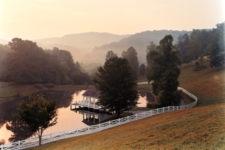 Image: Daybreak at Blackberry Farm