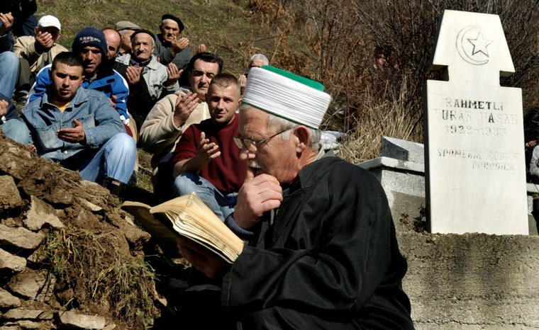 Image: Funeral in Globocica, Kosovo