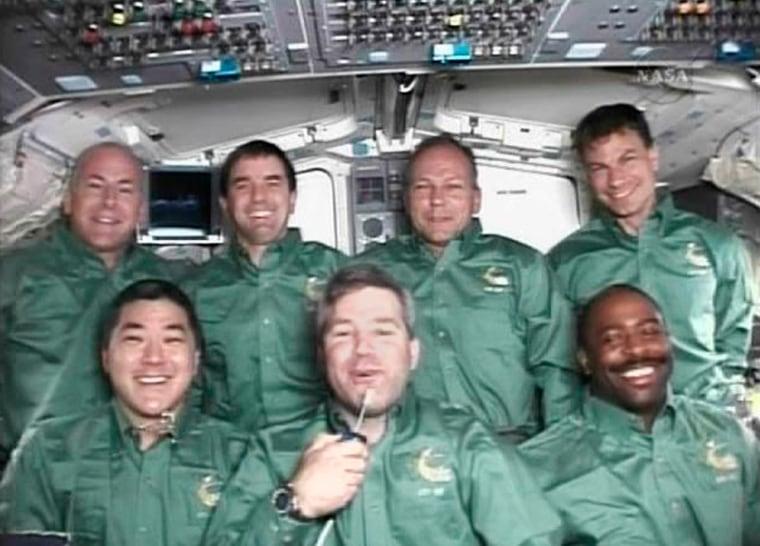 Image: Shuttle Atlantis crew