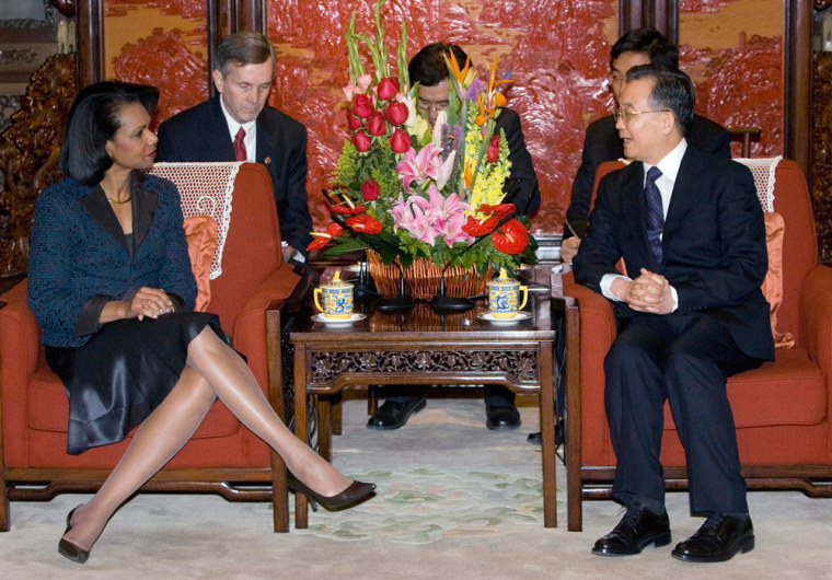 Image: Chinese Premier Wen Jiabao (R) hold talks with US Secretary of State Condoleezza Rice