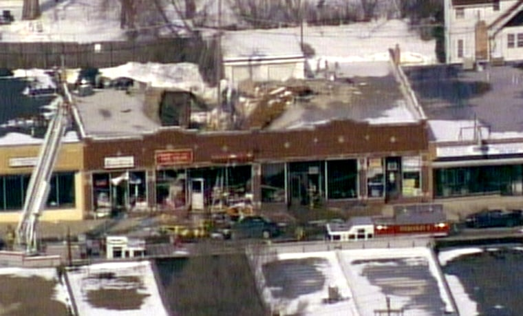 Image: Store with roof blown off