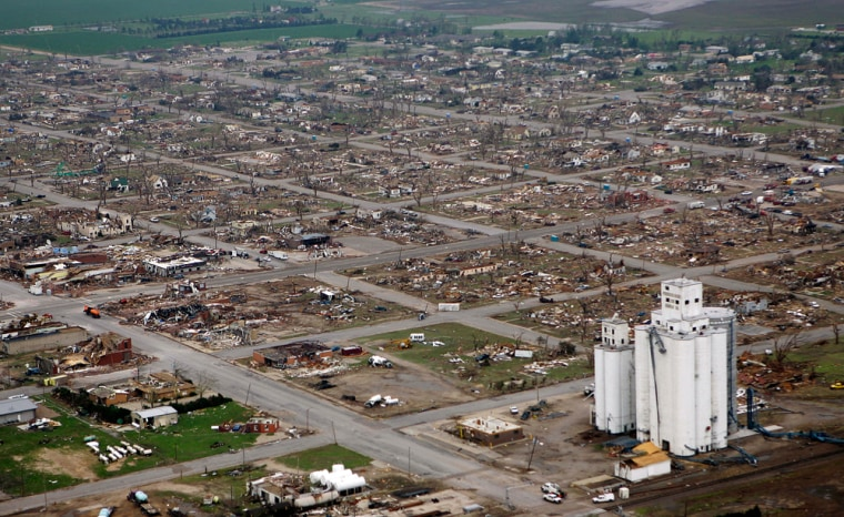 Image: Greensburg tornado aftermath
