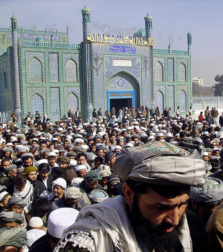 Image: Afghan demonstrators in Mazar-i-Sharif.